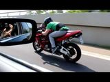 BMW 740i vs Honda CBR 600 RR